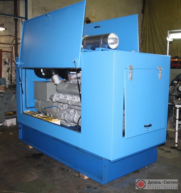Фото дизель-генераторного агрегата ДГА-300 в капоте