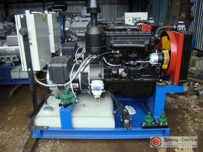фото генератора 30 кВт LSA 43.2 S15 Leroy Somer открытого типа