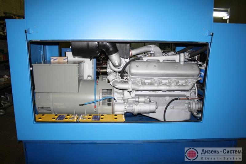 Фото дизель-генераторного агрегата ДГА-120 в капоте