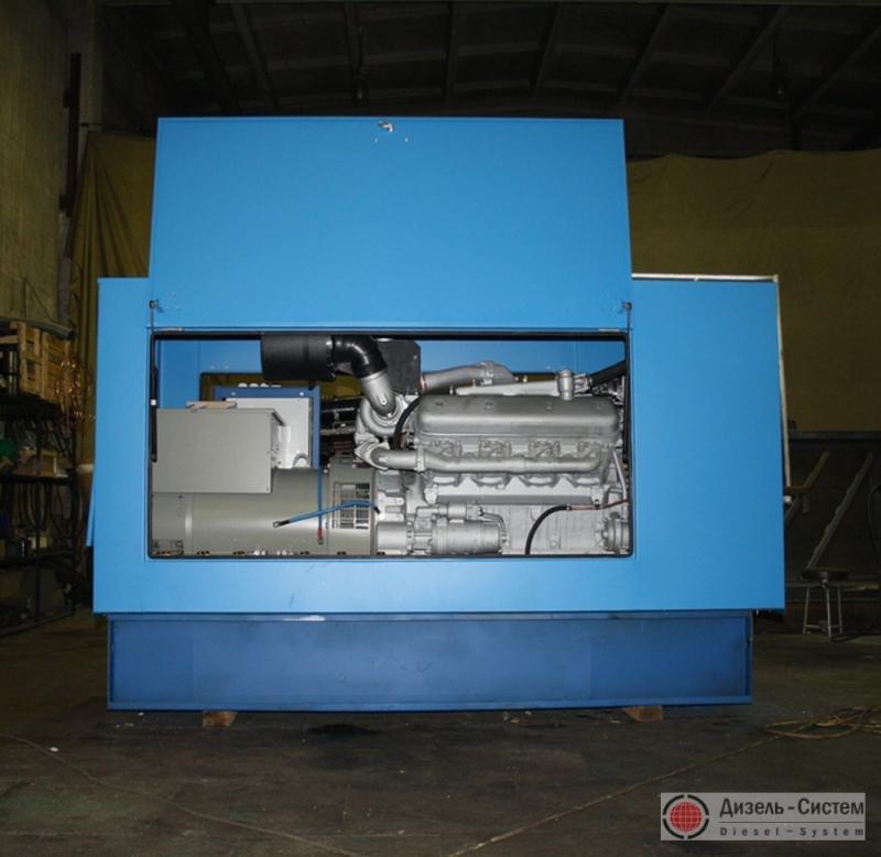 Фото автоматизированной электростанции 240 кВт в капоте