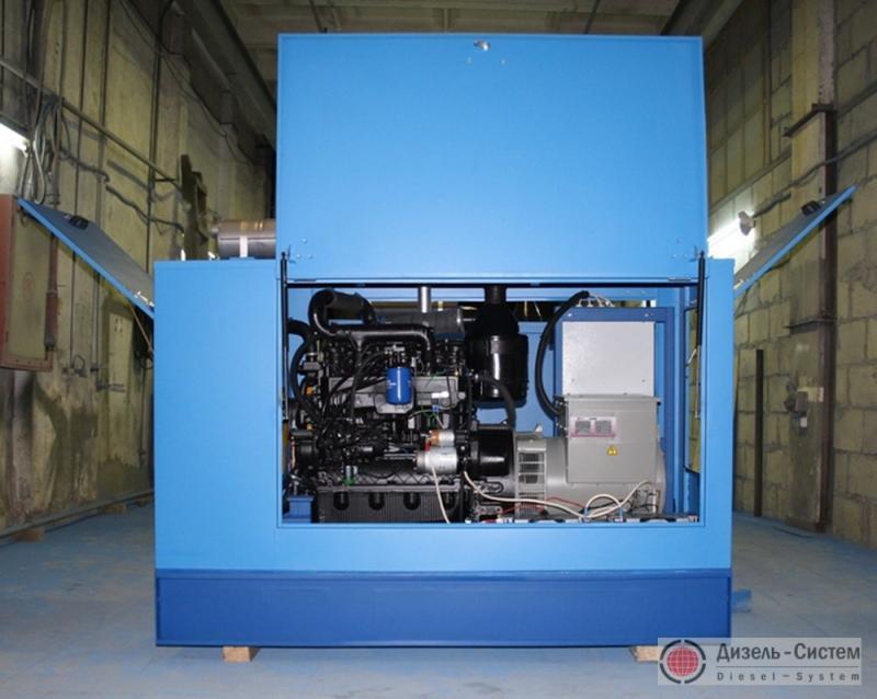 Фото дизель-генераторной установки ДГУ-40 в капоте
