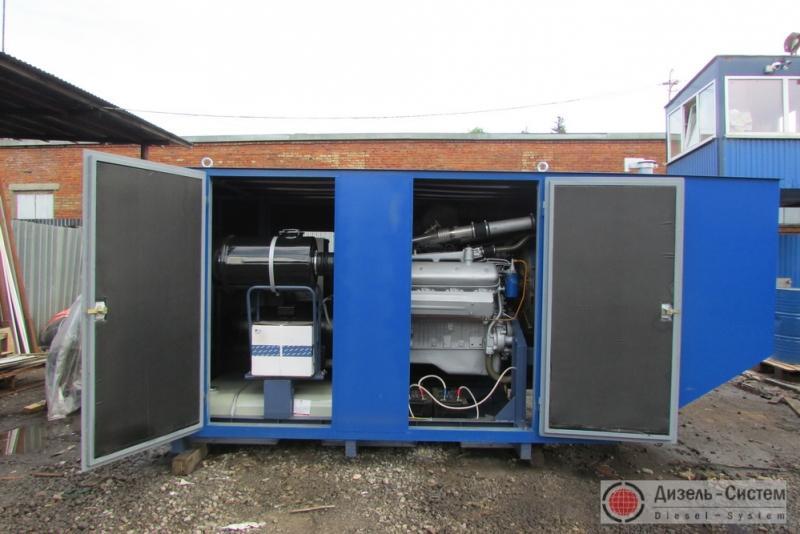 Фото дизель-электрической установки ДЭУ-300.1 в капоте