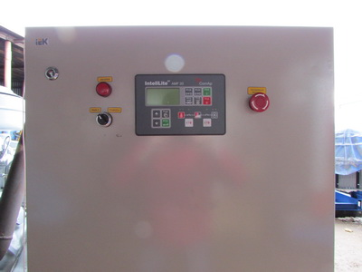 фото АД 400 щит управления на базе контроллера ComAp