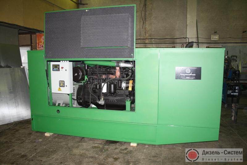 Фото дизельной электрической установки ДЭУ-100.2 в капоте